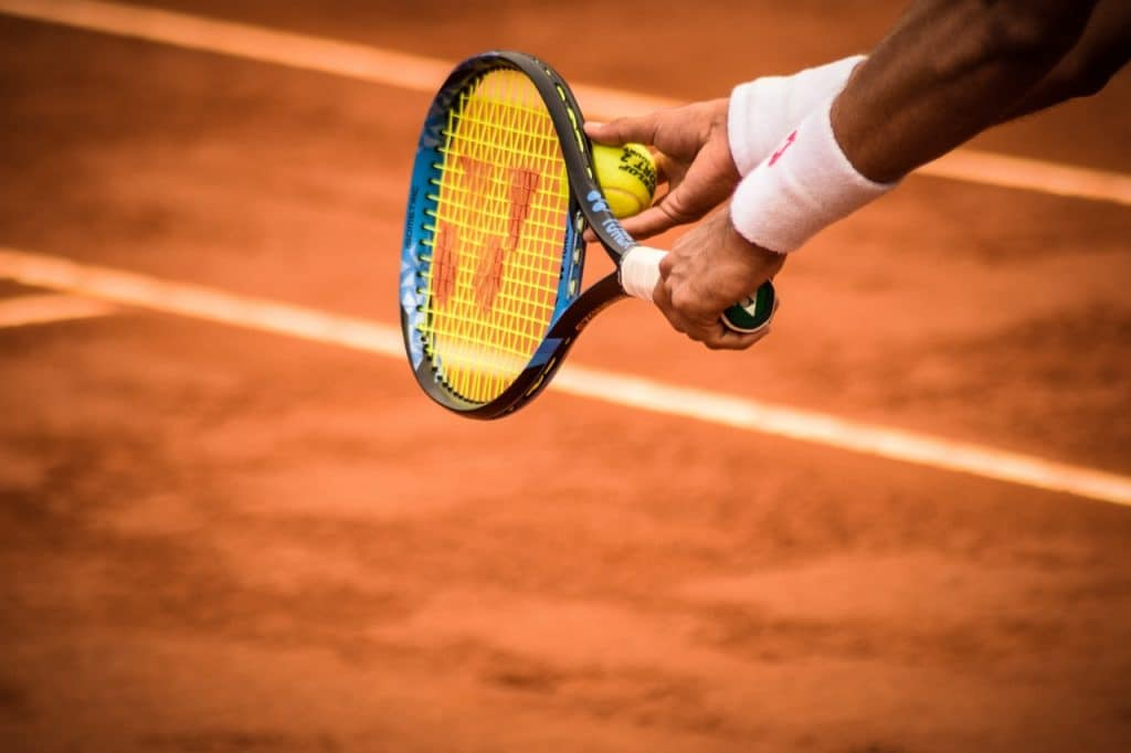 Left Handed Tennis Players On Advantage With their racquets